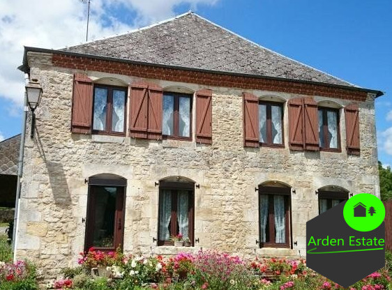 Farmhouse for sale in the area of Rumigny